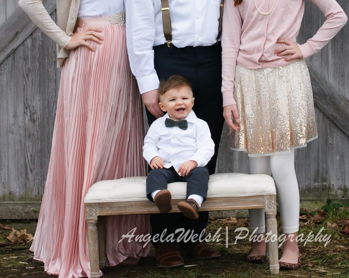 Family photo by AngelaWelshDesigns.com